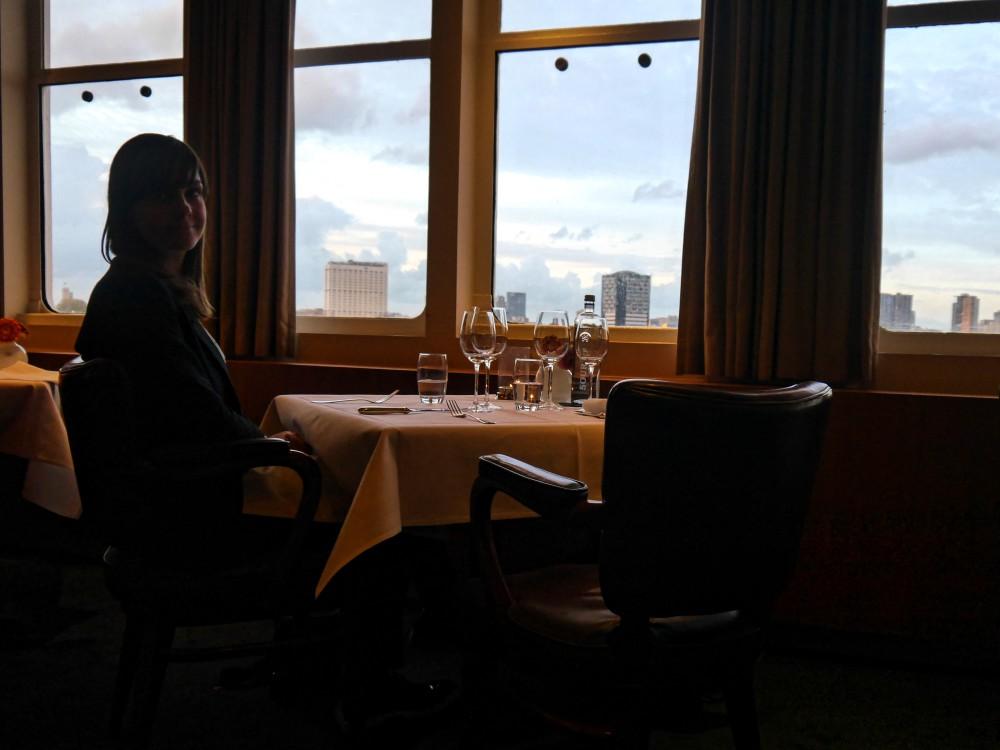 SS Rotterdam - Clubroom - tafel