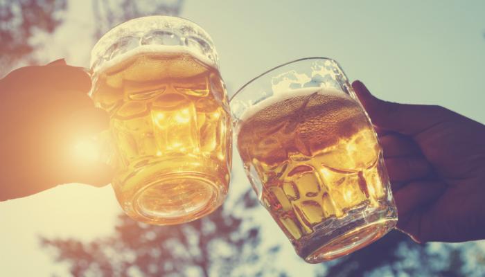 De Rotterdamse kroegentocht: overgoten met bier