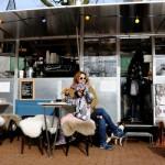 Art Rotterdam Week tip: foto's kijken met een drankje en muziekje bij Rotterdam Photo op het Deliplein